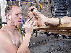 His Lad Feet Are Great For Fapping - Kamyk Walker & Sean Taylor